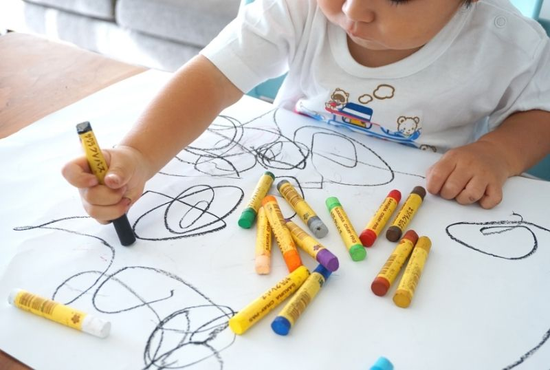 toddler colouring in