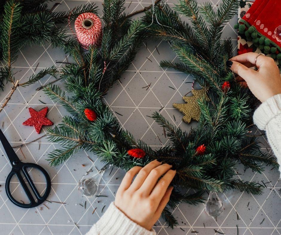 Wreath-making Christmas activites
